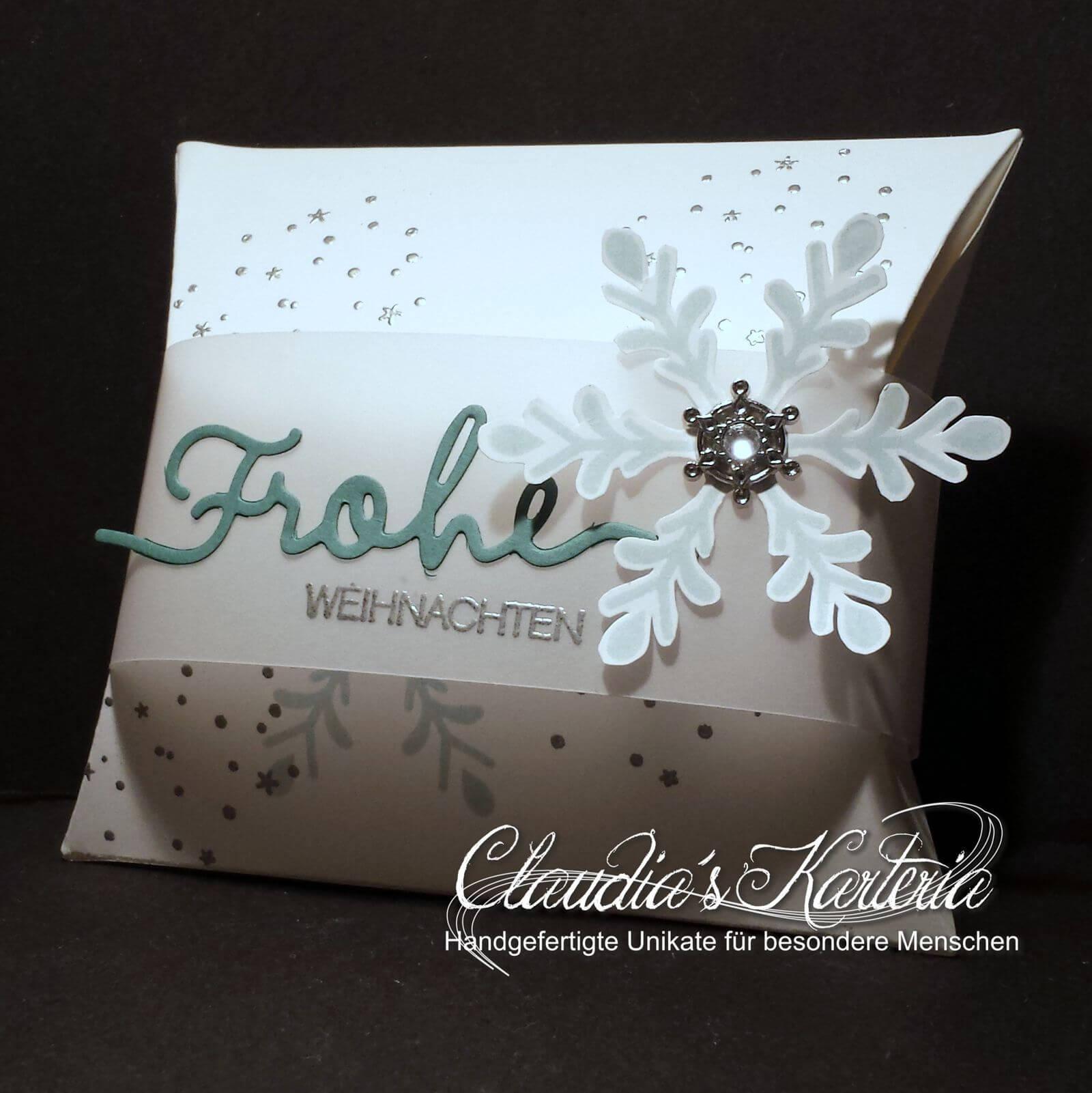 frohe weihnachten auf schneeflocken claudia 39 s karteria. Black Bedroom Furniture Sets. Home Design Ideas