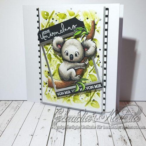 Koala-Umärmelung im Busch | Grusskarte